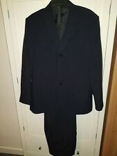 Taylor & Reece Mens Black pinstripe Full Suit  42/36 Regular Polyester Plain