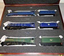 Bachmann 31-2001 Set of 3 Class A4 4-6-2 Commonwealth of Australia in Lux Box OO