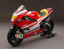 Ducati GP11 Valentino Rossi 2011 Moto 1:12 Model 57063 NEW RAY