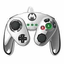 Wired Fight Pad METAL Mario WiiU