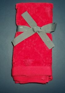 NWT Martha Stewart 2 Red Cotton Blend Fingertip Guest Holiday Towels $30 New
