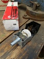 NOS OEM Ford 1991 1992 1993 1994 Lincoln Town Car Headlight Switch Head Lamp