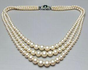 Vintage Perlen Collier 3-reihig im Verlauf 835 Silber Zierschließe grüner Stein