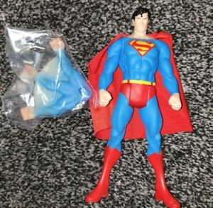Superman Classic 1/10 Super Powers ARTFX+ Statue Loose