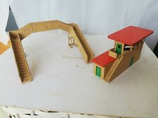 Hornby Dublo signal cabin & footbridge bridge Meccano Ltd
