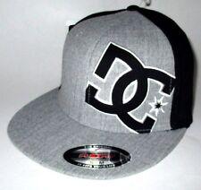 MENS DC FLEXFIT FITTED HAT GRAY/BLACK CAP SIZE S/M