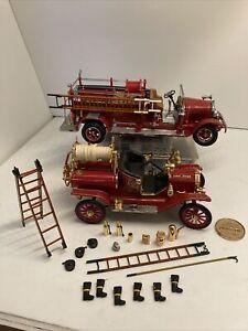 Lot of 2 Road Signature Series Diecast Fire Trucks 1/18 & 1/24 Scale - Model T