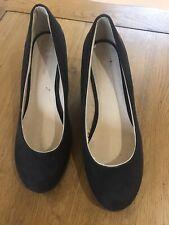 Cuña Zapatos Negro Gamuza Calce Ancho Talla 6 Nuevo