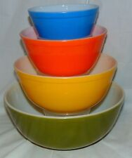 Pyrex REVERSE PRIMARY/  MULTI-COLOR *4 PC ROUND MIXING BOWL SET*