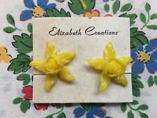 Vintage 50's/60's kitsch novelty plastic rose flower clip on earrings - yellow