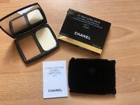 CHANEL Le Teint Ultra Tenue Ultrawear Flawless Compact Foundation 70 Beige New