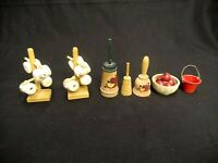 LOT OF 7 PIECES OF MINIATURE DOLLHOUSE BUTTER CHURN BUCKET APPLES COFFEE CUPS