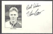 A 14cm x 9cm Plain White Card Signed by Steve Guppy of Celtic, Leicester City.