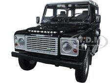 LAND ROVER DEFENDER 90 STATION WAGON BLUE W/ SILVER 1/18 UNIVERSAL HOBBIES 3888