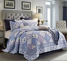 King Size-Garden Of Blues-3 pc Quilt Set 105 x 95 with 2 shams