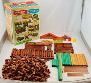 """1977 Lincoln Logs Double """"L"""" Ranch Set in Great Condition FREE SHIPPING"""