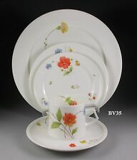 MIKASA JUST FLOWERS FIVE PIECE PLACE SETTINGS - EXCELLENT
