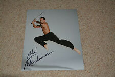 MARK DACASCOS  signed Autogramm In Person 20x25 cm CRYING FREEMAN