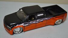 USED JADA 1999 CHEVROLET SILVERADO DUALLY 1:24 Collector Club (DAMAGE/SCRATCHES)