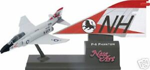 CORGI F-4 Phantom II USS Kitty Hawk Nose Art Top Gun F4 Die-cast model NEW