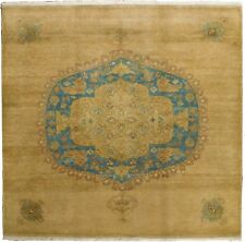 Hand knotted Indian rug. 5'x 5'