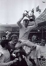 Billy Bremner Leeds United FA Cup BW 10x8 Photo