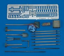 Royal Model 1/35 German Tiger I Tank Tools and Holders Set WWII [Resin + PE] 455