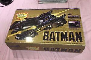 Batman Batwing + batmobile. Toy Biz 1989. in Boxes. canadian. excellent shape.