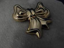 14K yellow gold VINTAGE BOW PIN (5.5 g)
