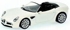 Alfa romeo 8c spider white metallic minichamps 1:64 model