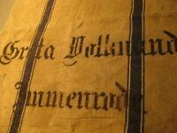 46-2 / Ein alter Leinensack-Getreidesack mit Beschriftung + zwei blauen Streifen