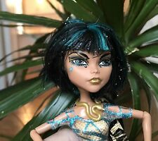 MONSTER HIGH DOLL ~ Exotic NEFERA or CLEO DE NILE? Great outfit & shoes!! VGUC