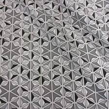 Stoff Meterware Baumwolle grau weiß schwarz Mosaik Grafik Stern Würfel Neu Mode
