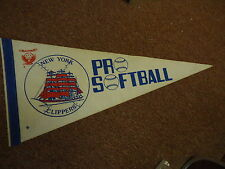New York Clippers pro softball 1977 Pennant for one year team