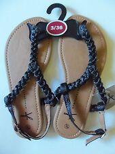 Ladies Black Plait Sandals with Between Toe Bar
