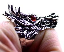stile goth punk argento antico e rosso anello di testa di drago colorato, UK P