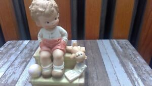Enesco Memories of Yesterday Mabel Lucie Attwell Waiting For Santa Figurine 1988