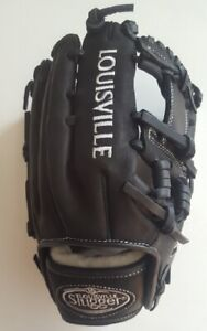 "Louisville Slugger FGXN14-FBK115 11.5"" Xeno College Model Softball Glove"