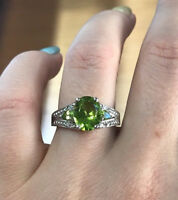 3.6 ct tw Natural Green Peridot & Diamond 14k White Gold Cocktail Ring