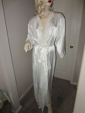 VINTAGE WHITE LACE SATIN ROBE Victorias Secret SIZE SMALL LINGERIE Bride