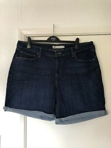 BNWOT Levis Stretch Denim Shorts Size 20