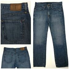 Tommy Hilfiger jeans mens size 31 x 32 relaxed blue medium wash CM9.