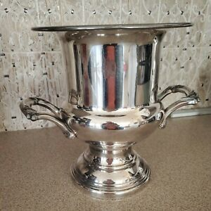 Vintage ONEIDA U.S.A. Silver Plated Wine Champagne Ice Bucket Trophy Silverplate