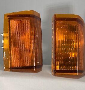 VW RABBIT MK 1 AMBER OEM COLOR FRONT CORNER TURN SIGNAL LIGHTS 1981-1984 NEW