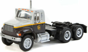 Walthers HO Scale International 4900 Dual-Axle Semi Tractor UPS Freight