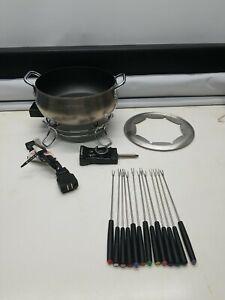 Cuisinart CFO-3SS Electric Fondue Maker Pot Brushed Stainless 3 Quart, 13 Forks