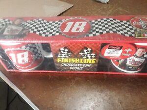 Coca-Cola NASCAR 2004 Bobby Labonte #18 2 Mug Set W/Cookie Official Nascar New