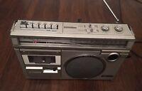 HITACHI CASSETTE RECORDER RADIO TRK-5854E FM MW Vintage Portable Stereo Boombox