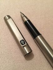 VINTAGE PARKER 25 BLACK TRIM FOUNTAIN PEN-ENGLAND-MEDIUM NIB-EXWO-SUPERB