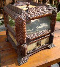 Grand Antique TRAMP ART BOX ART POPULAIRE couture poitrine avec vieux Flotteur miroirs en verre